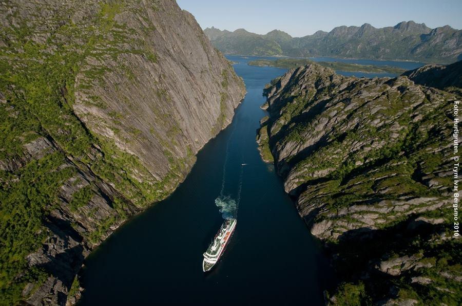 hurtigruten kreuzfahrt norwegen mit dem postschiff. Black Bedroom Furniture Sets. Home Design Ideas