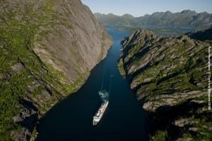 Norwegische-Fjorde-Kreuzfahrt-Trollfjord