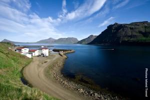 Island_Dorf-am-Fjord