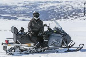 Lappland_Winter_Snowmobil